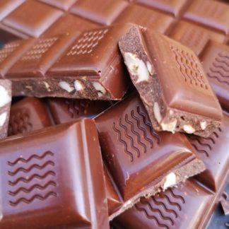 Ciocolata-cu-mix-de-nuci