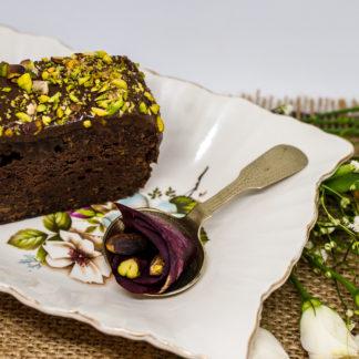 Chec Vegan – Sfeclă cu Ciocolată și Fistic